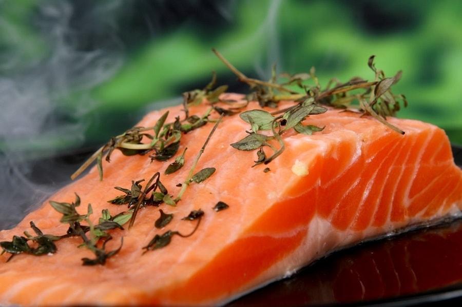 Lachs gesunde Ernährung gegen Haarausfall