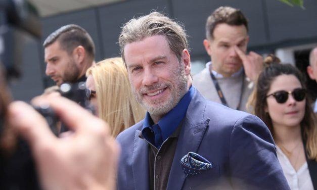 John Travoltas Haare bringen die Medien um den Verstand