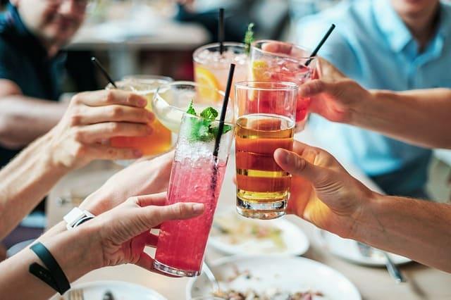Nach der Haartransplantation Alkohol trinken