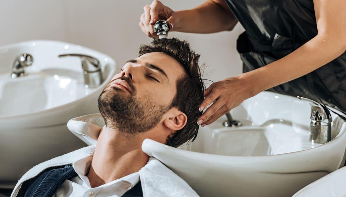 Friseurbesuch nach Haartransplantation - Welche Frisur, welche Schnitttechnik und welcher Zeitpunkt