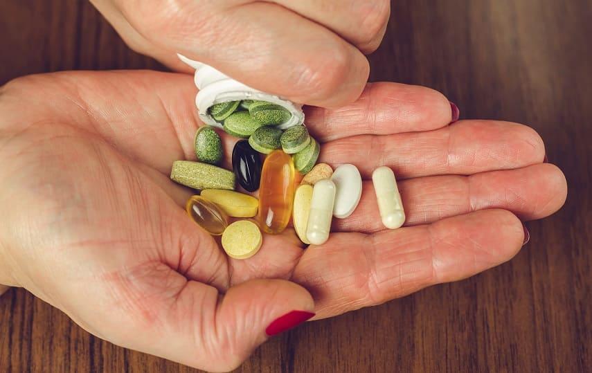 Medikamente sind in der Hand