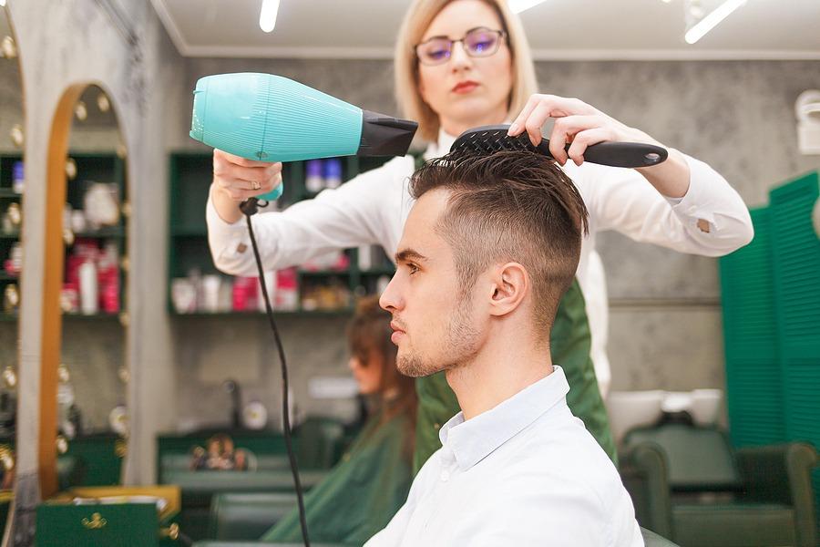 Frisuren bei Haarausfall