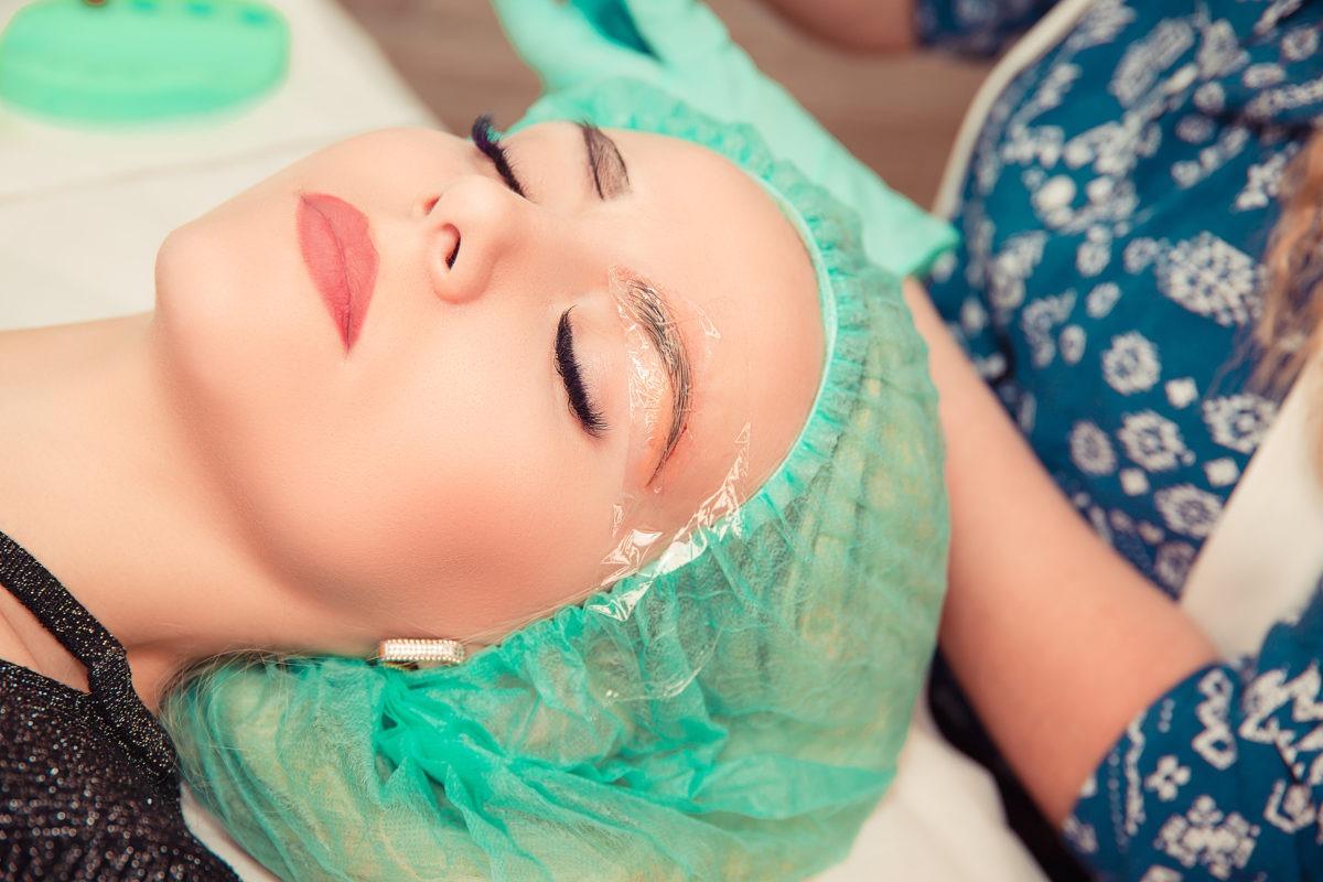 Haarausfall an den Augenbrauen
