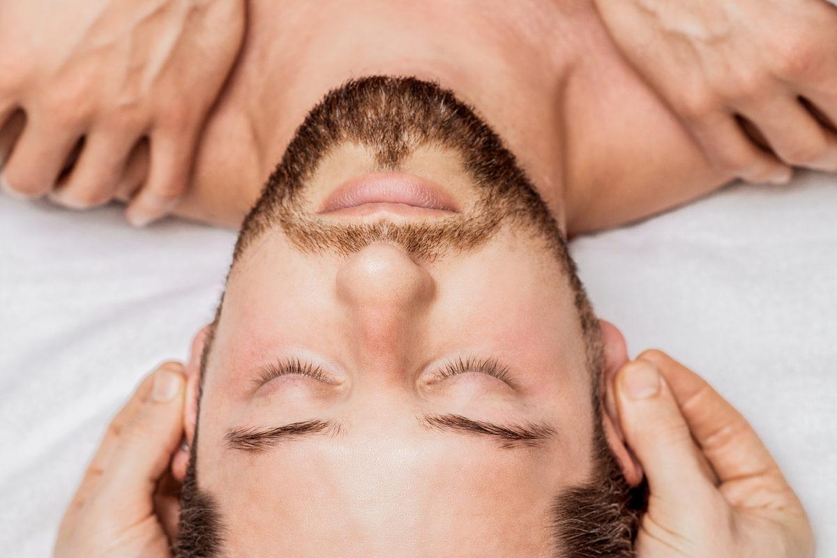 Kopfmassage für schnelles Haarwachstum
